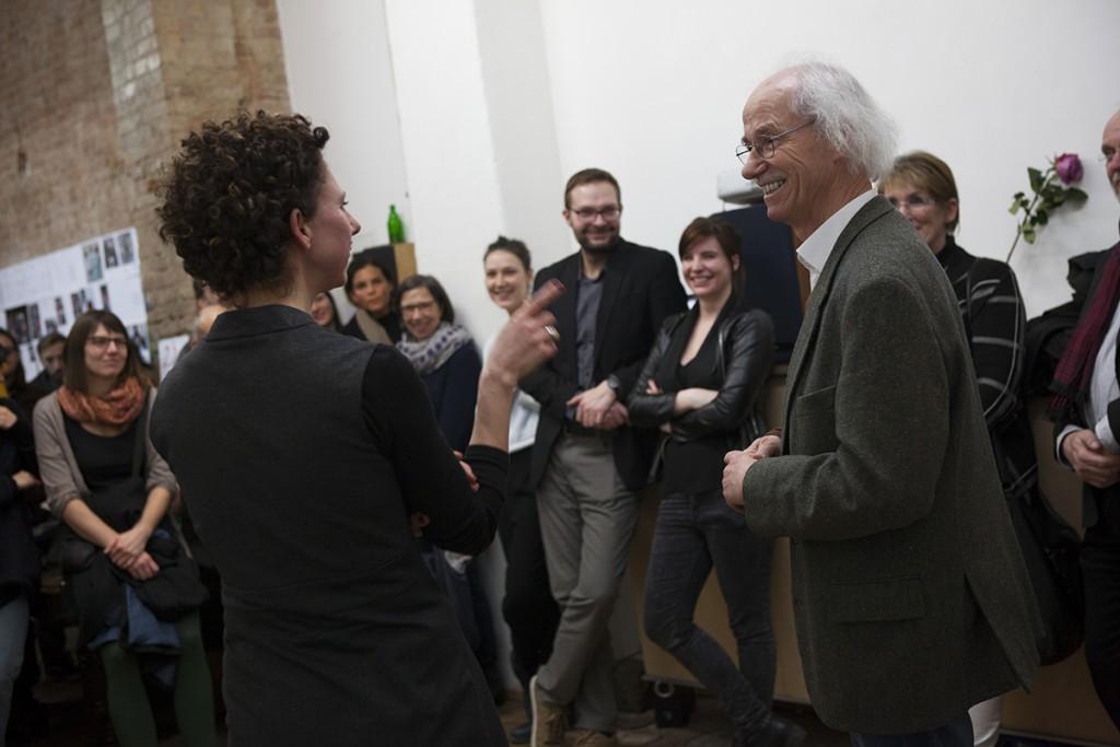 Nadja Masri und Dr. Enno Kaufhold im Gespräch beim Book Launch | Foto: © Ina Schoenenburg